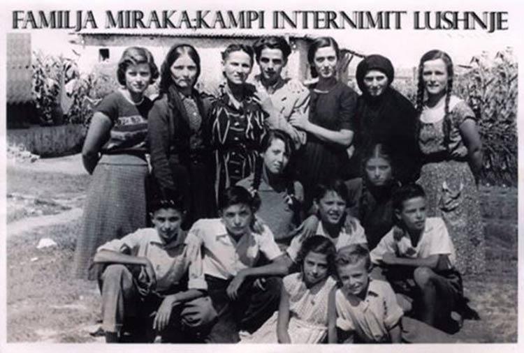 1familaj-Mirakaj