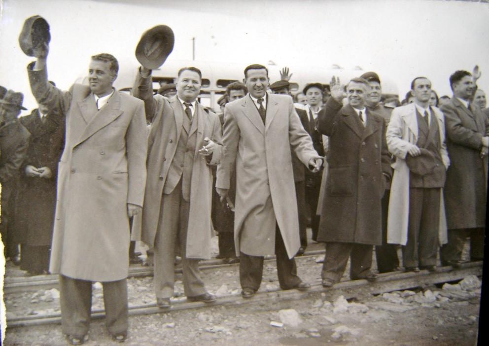 enver-hoxha-me-kapele
