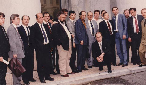 Sami Repishti, foto në grup