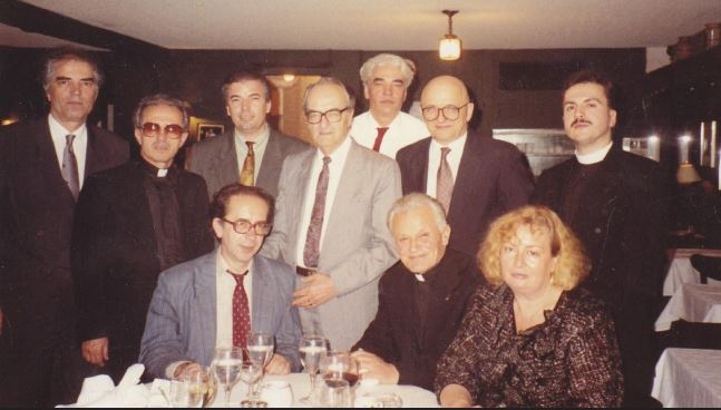 Sami Repishti, Ismail Kadare, foto në grup