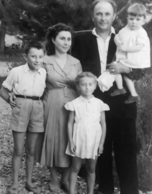 Taho Sejko me familjen